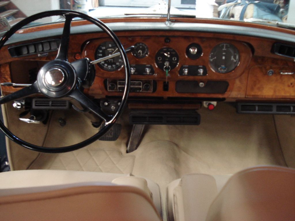 Rolls royce silver cloud nieuw interieur de autobekleder for Interieur rolls royce