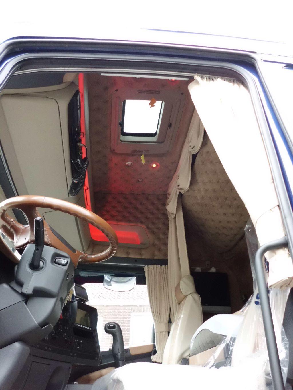 Truck interieur capitonneren de autobekleder for Interieur 05 nl